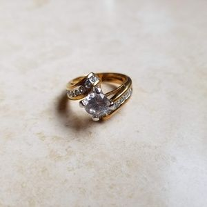 Jewelry - Gold wedding band